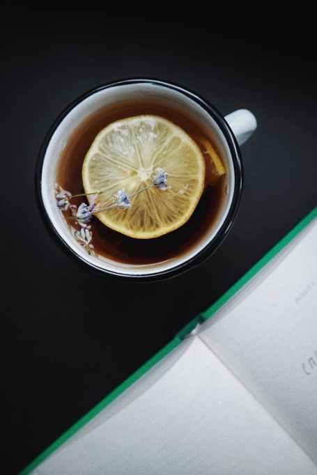 teacup with sliced lemon